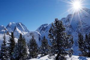 Savoie Pralognan montagne enneigée